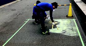 路面シートの施工の流れ-4.貼付