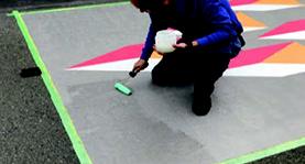 3M 駐車場用路面シート施工の流れ-7.オーバーコート混練・塗布