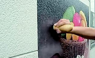 壁面シートの特徴:圧着のみで壁面に取付け