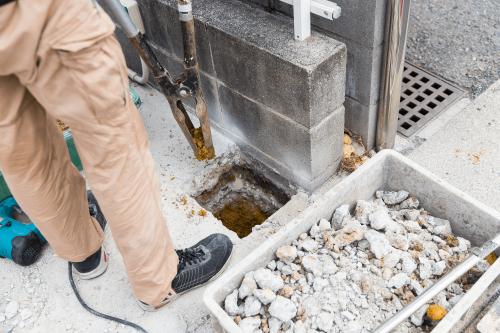 自立・野立て看板施工事例写真 愛知県 今回予定している深さまで穴掘りを進めます