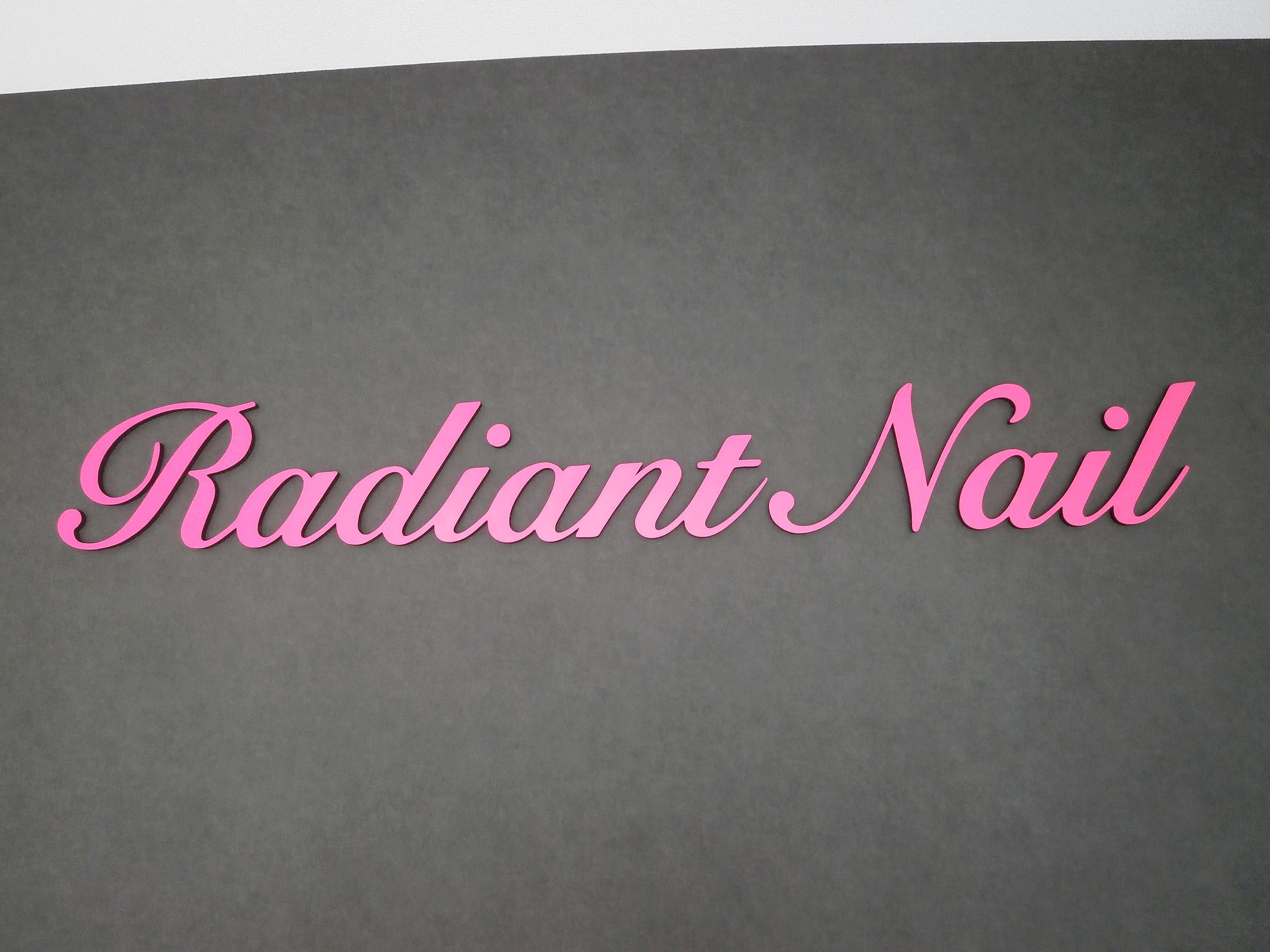 箱文字・切文字看板施工事例写真 愛知県 ネイルサロンのショップロゴを、カルプ文字にて製作させていただきました