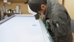 FFシート(フレキシブルフェイス)内照式看板の構造とシートの張り方について