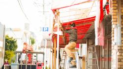老朽化したまま放置は危険!店舗用のテントを撤去する方法