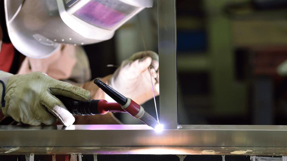 アルミニウムとは?看板材料としてのアルミの特徴