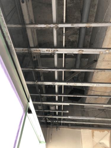 ファサード看板・壁面看板・箱文字・切文字看板施工事例写真 東京都 LED内照式天吊り看板施工事例写真 東京都 天井下地です。