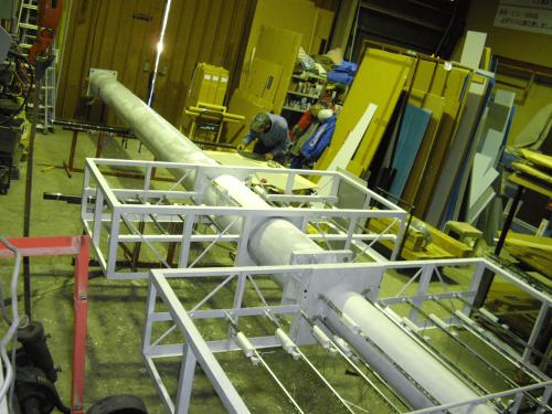 タワーサイン・自立看板施工事例写真 愛知県 各パーツの製作が完了したら支柱に組付けをおこないます