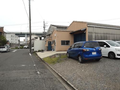 自立・野立て看板施工事例写真 愛知県 この状態ではどこが駐車場なのか来園者にはわからないため必要です